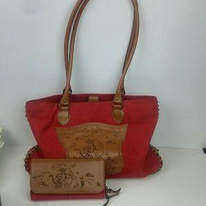 Winnie the Pooh & Piglet Handbag & matching wallet